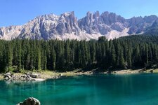 karersee lago di carezza panorama