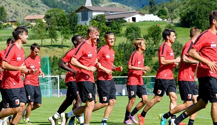 trainingslager fc augsburg in mals mals markt s dtirol. Black Bedroom Furniture Sets. Home Design Ideas