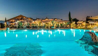 Girlan Eppan Hotels Ferienwohnungen Und Weitere